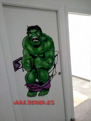mural hulk cagando