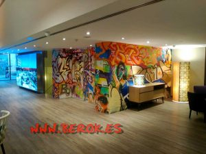 graffitis hotel catalonia catedral