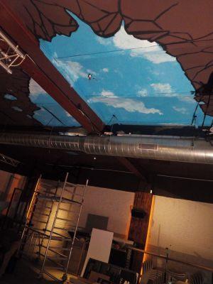 Decoracion-mural-del-techo-del-nuevo-Lizard-de-Sitges