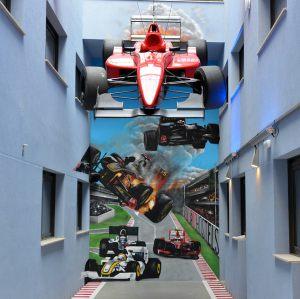 mural-trampantojo-formula1-BCNSportHostels