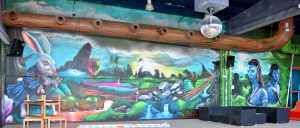 mural-alicia-en-el-pais-de-las-maravillas