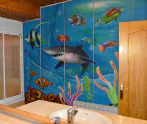 Decoracion-mural-fondo-marino-en-lavabo