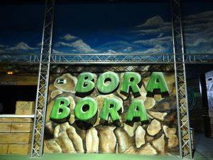 decoracion-mural-del-bora-bora-de-sabadell-andamios
