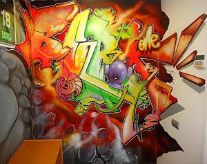 graffiti-letras-en-habitacion-juvenil