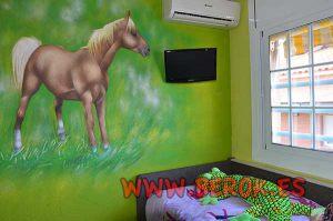 graffiti-mural-de-caballo-en-habitacion-juvenil