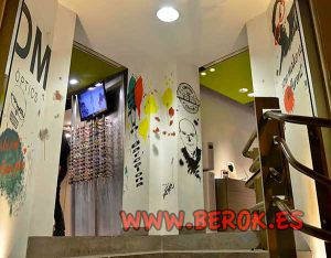 Graffiti-decorativo-interior-para-Dm-Optics