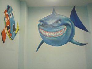 mural-nemo-dory-tiburon
