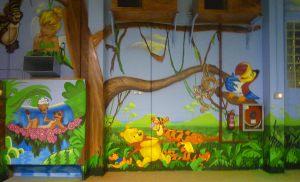 mural-infantil-en-parque-infantil-Espai-Magic-en-Sant-Fruitos
