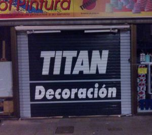 graffiti-persiana-industrias-titan