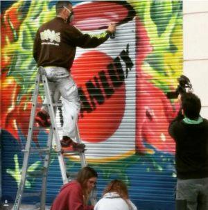 titan-graffiti-persiana