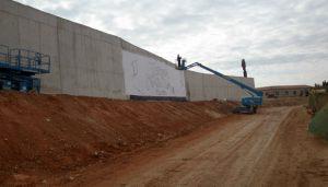 Decoracion-mural-Terra-Natura-grua-graffiti