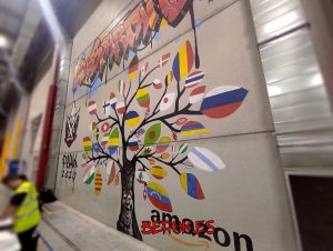 graffiti mural xxl para amazon almacen