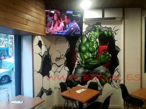 graffiti hulk fit kitch en Barcelona