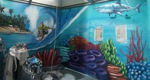 mural graffiti surf fondo marino tiburon