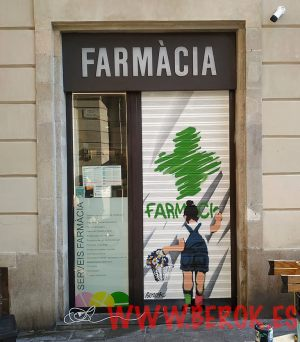 graffiti persiana farmacia Barcelona
