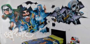 Graffiti de Clash Royal en habitacion juvenil