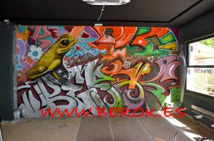 graffiti rana en Roses Kroak's