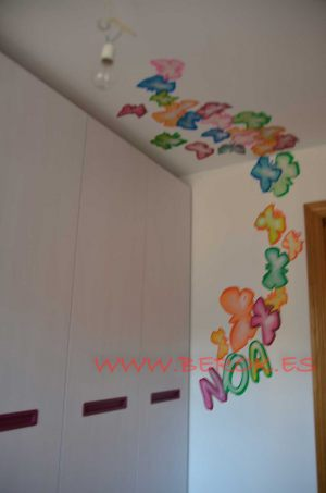 graffiti-con-mi-nombre-noa-mariposas