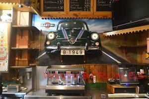 mural coche 600 realista martini Restaurante