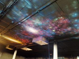 decoracion-techo-luz-negra
