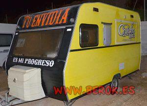 Caravana-comida-peruana-pintada-tu-envidia-es-mi-progreso