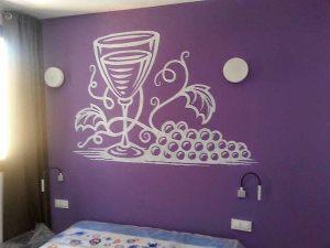 Decoracion-mural-apartamentos-vino