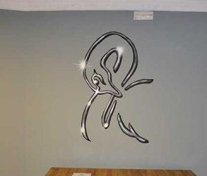 mural-logo-hostel-black-swan