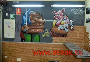 Decoracion-murales-interiores-Bar-Barcelona-lobo-y-cerdito