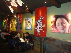 exposicion-restaurante-reina-corazones