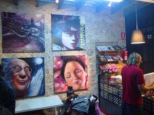 berok-gallery-in-barcelona-graffiti-shop