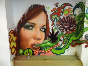 graffiti-chica-fumando