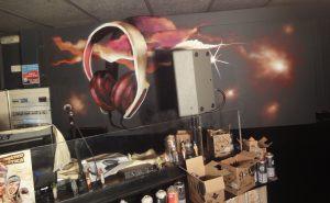 mural-cascos-musica