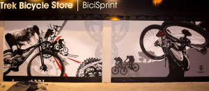 Decoracion-mural-exterior-Trek-Bicycle-Store-Sabadel