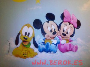 mural-infantil-color-mickey-minnie-y-pluto-bebes