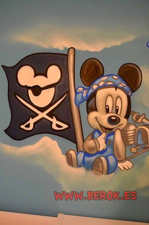 Mickey-Mouse-baby-pirate