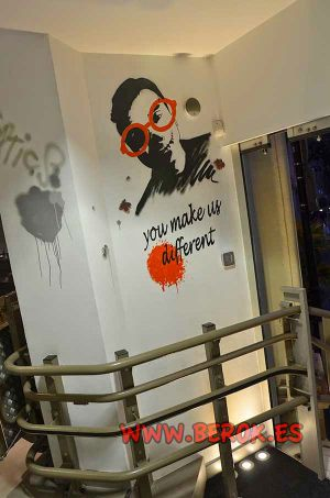 Street-art-interior-Dm-optica