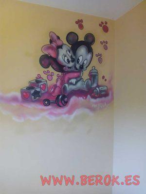 mural-infantil-mickey-minnie-rosa