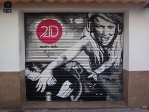 Graffiti-persiana-local-musical-2D-GRUPO-Lizar-Sitges-Club