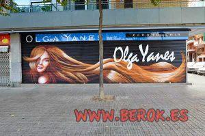 graffiti-persianas-peluqueria-Olga-Yanes