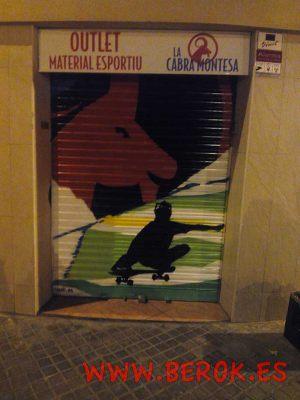 persiana-graffiti-Barcelona-cabra-montesa