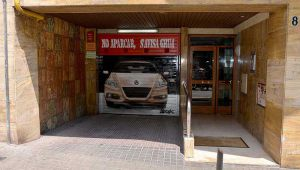 graffiti-persiana-parquing-no-aparcar