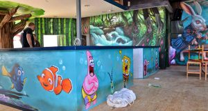 Decoracion-mural-nemo-en-parque-infantil-Imagine-World-de-Sant-Quirze-del-Valles